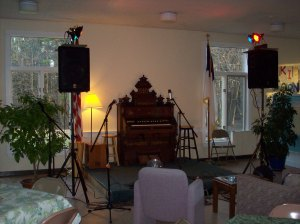 The Living Room Stage Check out the pump organ!